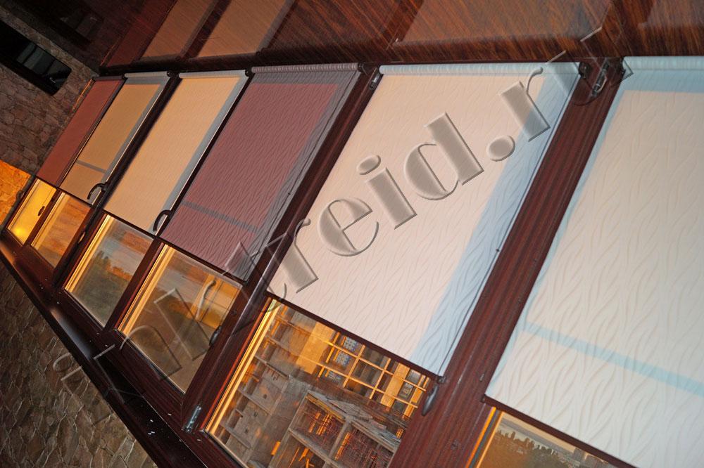 Продам Рулонные шторы на коричневые рамы