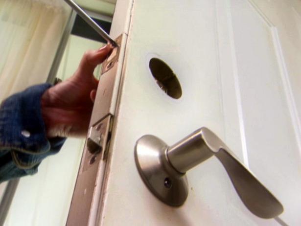 Предложение: Ремонт, ругулировка, установка дверей