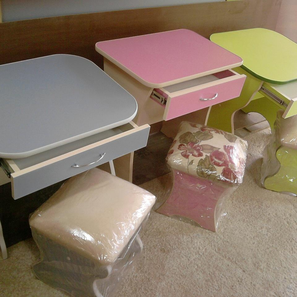 Продам Детский стол и стульчик