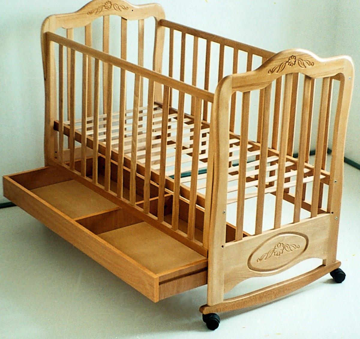 Продам: детская кроватка б/у