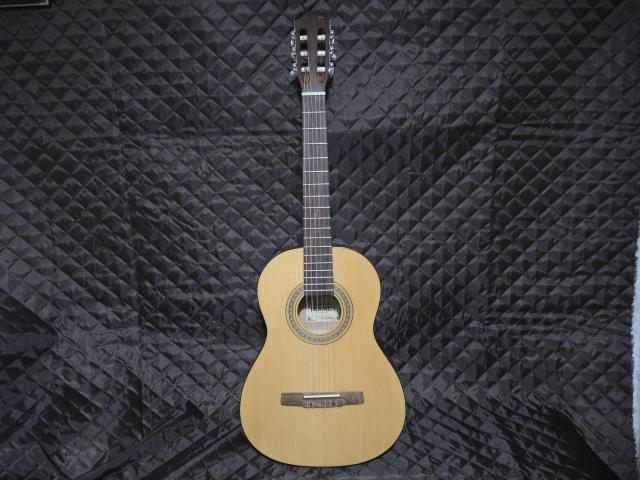 Продам классическую гитару Hohner 3/4