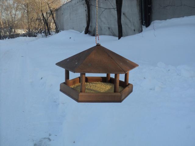 Продам Кормушки для птиц
