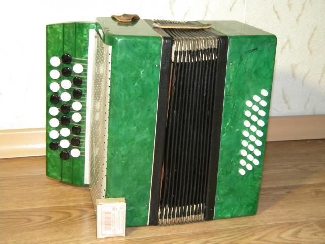 Продам РЕДКИЙ баян для юных музыкантов.