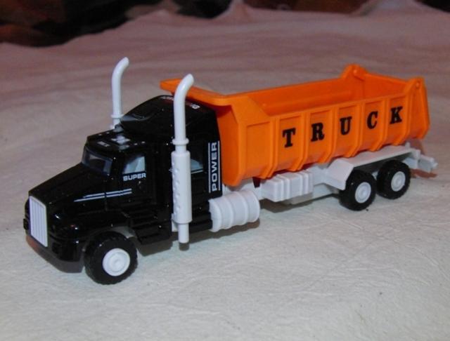 Продам Грузовик Truck с оранжевым кузовом инерц