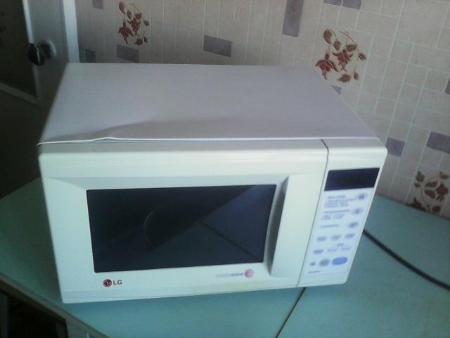 Продам Микроволновая печь  LG.