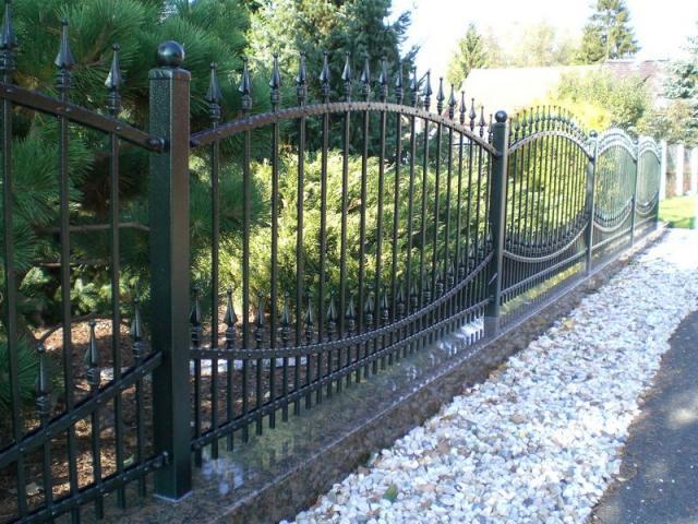 Предложение: Заборные секции, ворота, калитки.