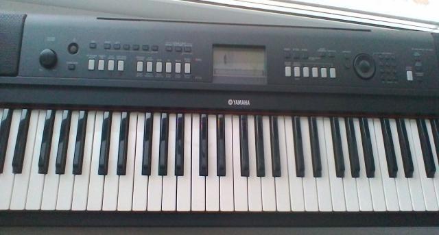 Продам Синтезатор yamaha NP V-60