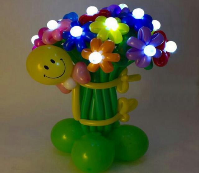 Продам Цветы из воздушных шаров с доставкой