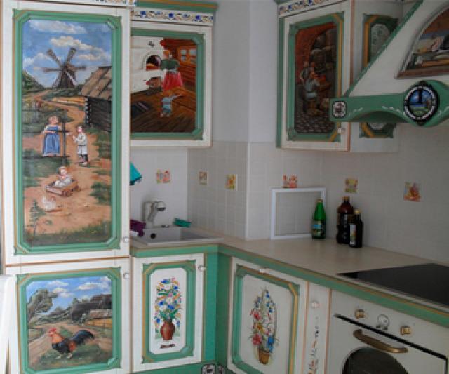 Продам: Кухонные гарнитуры из цельного кедра с р