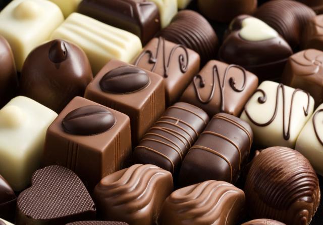 Куплю Кондитерские изделия, шоколадный лом.