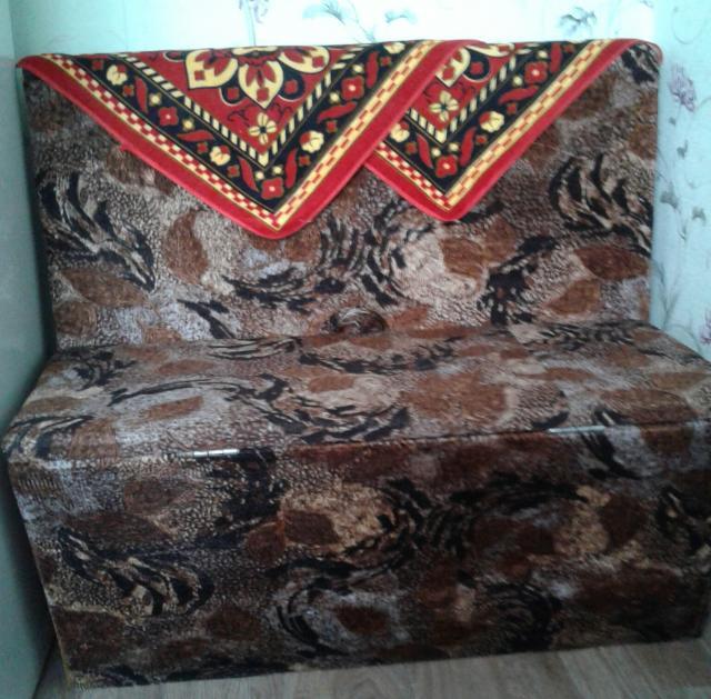 Продам кресло (мини-диван)
