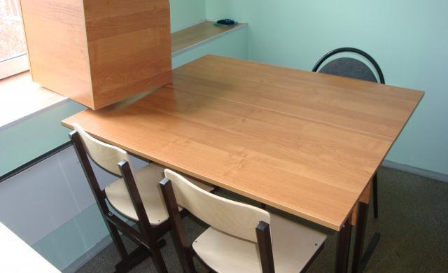 Продам: стол б.у. для офиса