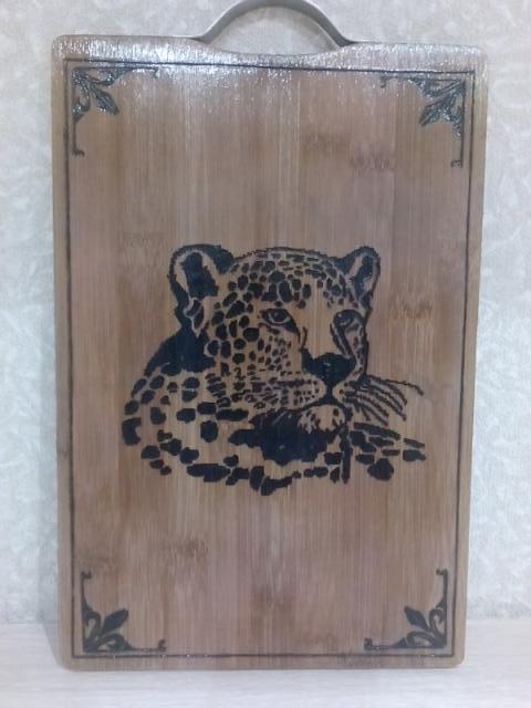 Продам Доска для резки с Леопардом