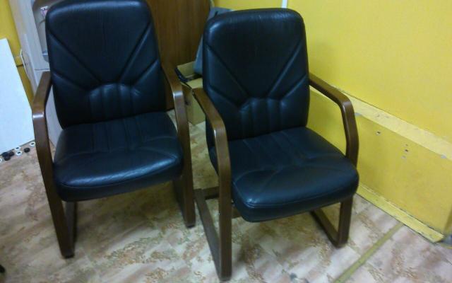 Продам: Кресло черное. Кожа.