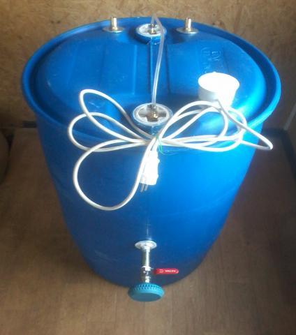 Продам душ для дачи 220 л из бочки с подогревом