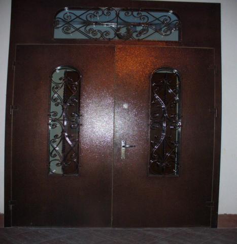 Продам Стальные двери