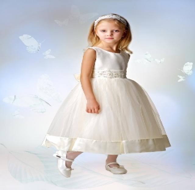 Продам детские праздничные платья к выпускному