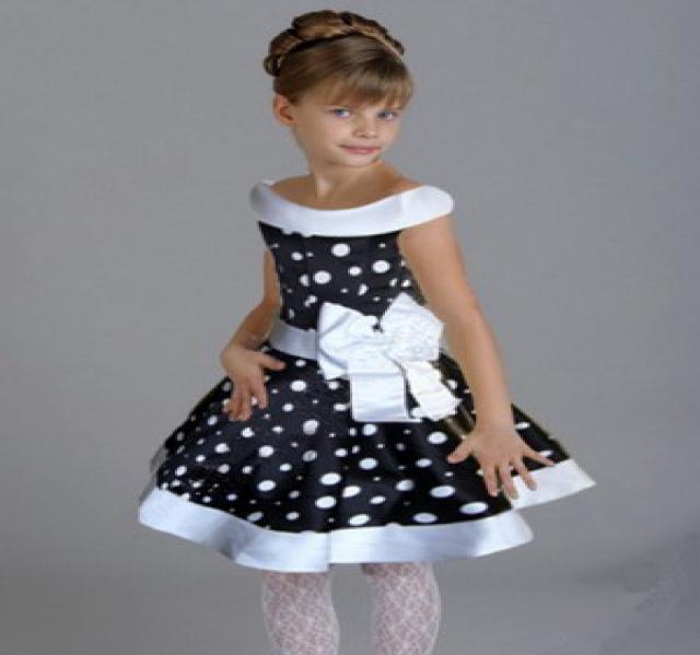Продам детские праздничные платья новые