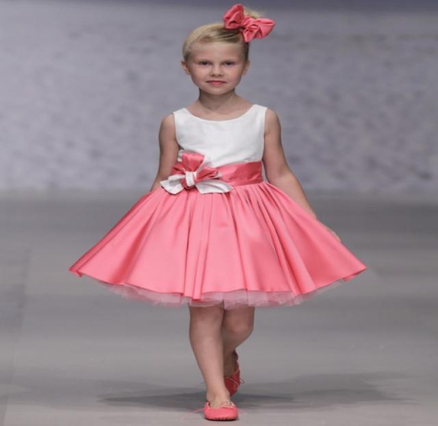 Продам детские праздничные платья на выпускной