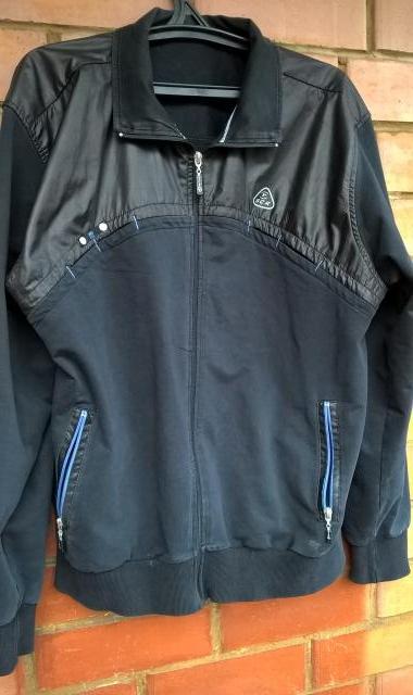 Продам Куртка спортивная  Soccer (Англия). Р.50