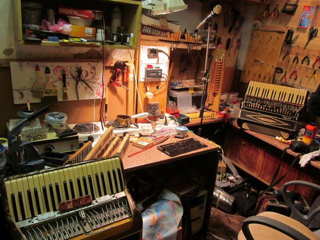 Продам Новая жизнь инструмента (аккордеон, баян