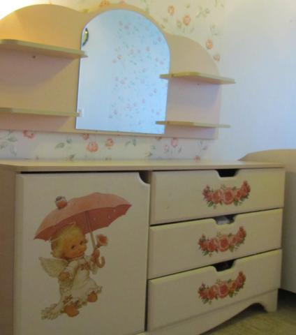 Продам: Детская мебель для девочки