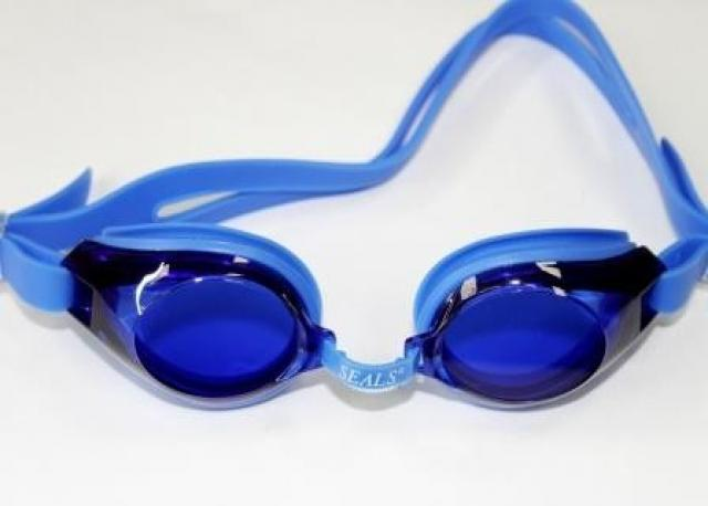 Продам: Очки для плавания в бассейне в ассортиме