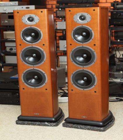 Продам колонки Acoustic Energy Aelite Three