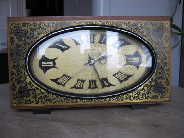 Продам Часы настольные JANTAR