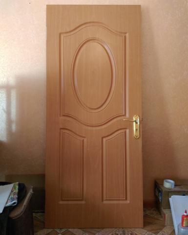 Продам: Дверь,дерево,80на200,б/у,с замком