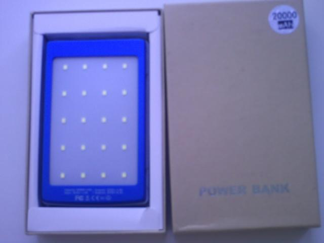 Продам Power Bank 35000mA солнечная панель фона