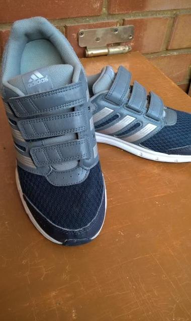 Продам Кроссовки «Adidas» (Германия). Размер 38
