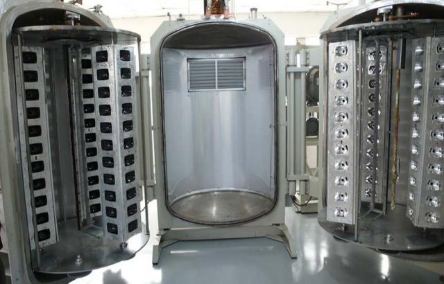 Продам Установка металлизации пластика для масс