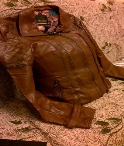 Продам Куртка демисезонная кожзам