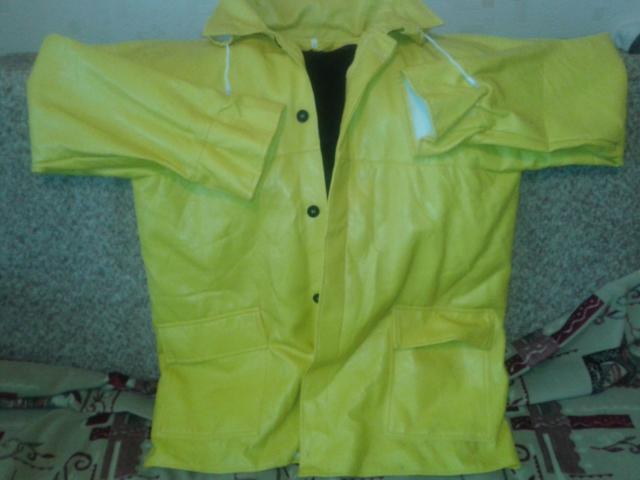 Продам куртка кожаная желтая
