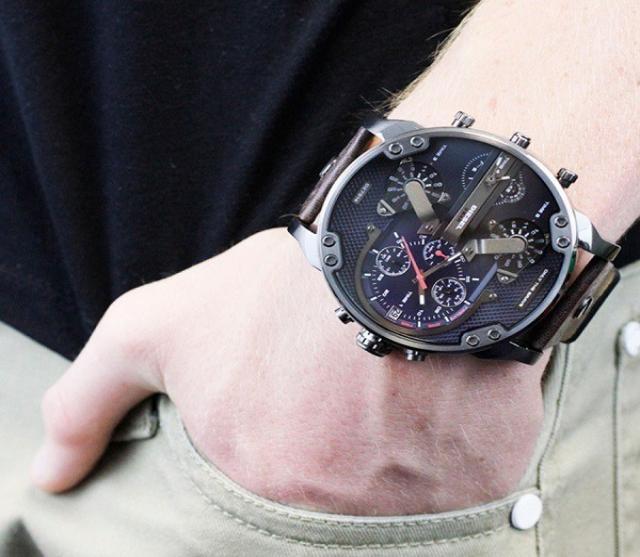 Продам часы мужские   Diesel Bravi