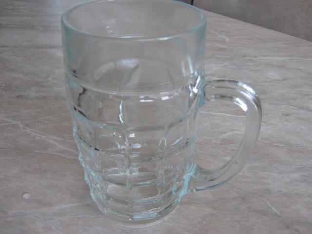Продам кружка пивная 0.7 л, стеклянная