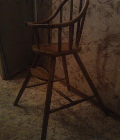 Отдам даром: детский стульчик
