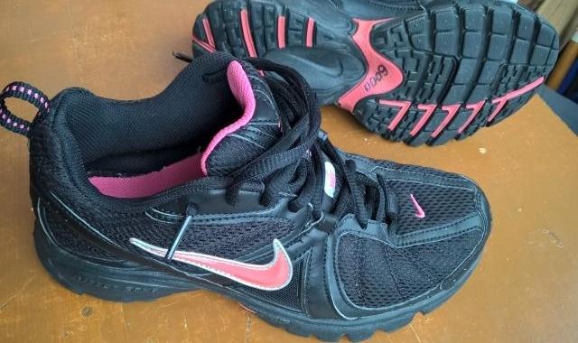 Продам Кроссовки «Nike» (США). Размер 39.