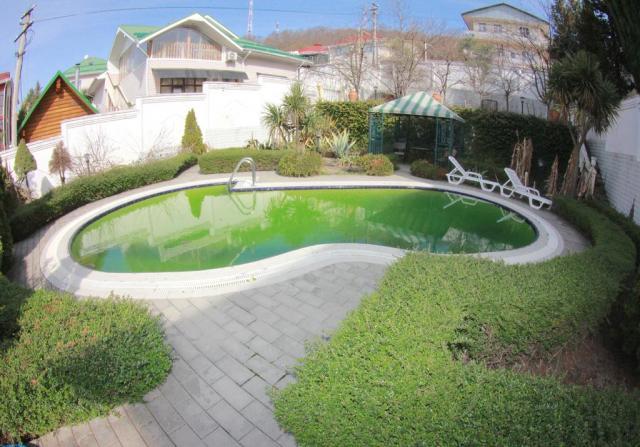 Сдам посуточно Дом с бассейном на 5 спален в Сочи
