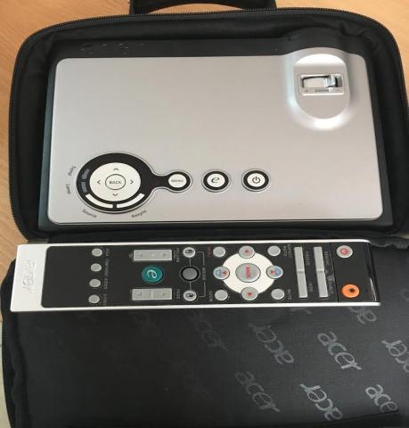 Продам: видеопроектор