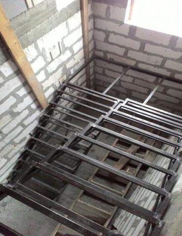 Предложение: Изготовление металлических лестниц.