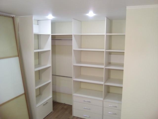 Предложение: Гардеробные комнаты на заказ.Шкафы-купе.