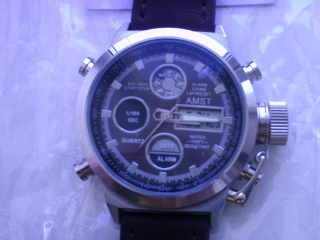 Продам часы AMST армейские