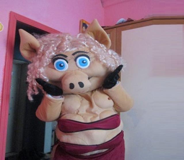 Продам Ростовая кукла Свинка
