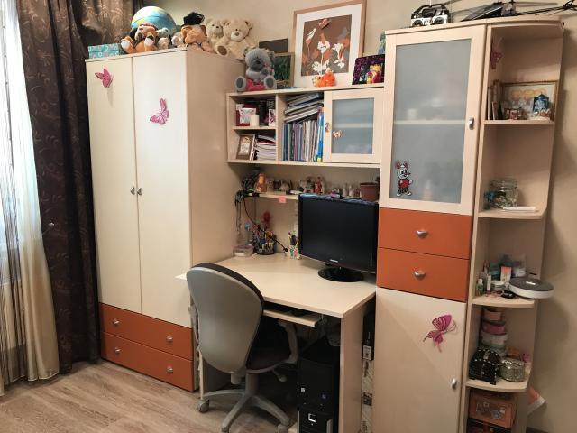 Продам Набор мебели для детской