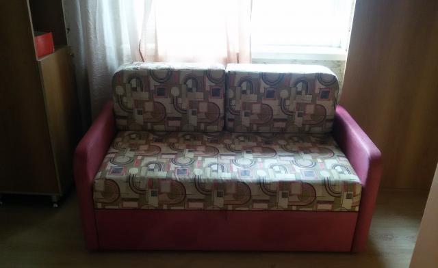Продам детский диванчик-кушетка