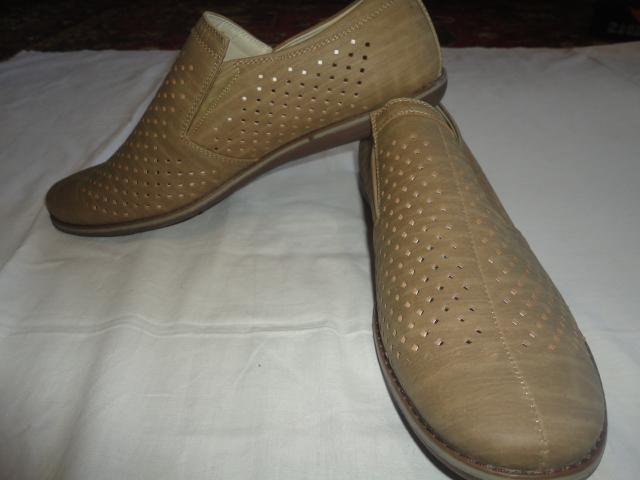 Продам Туфли мужские новые размер 44 и 39