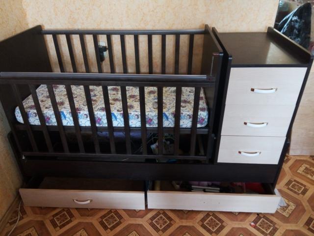 Продам Детская кровать-трансформер с матрасом