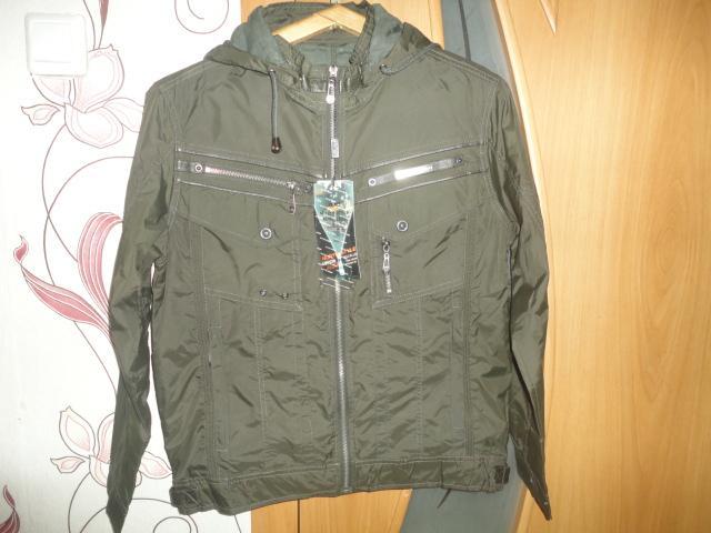 Продам Курточка ветровка новая размер M 46-48